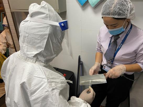 石家庄机场完成航站楼商铺环境核酸检测 结果均为阴性图片