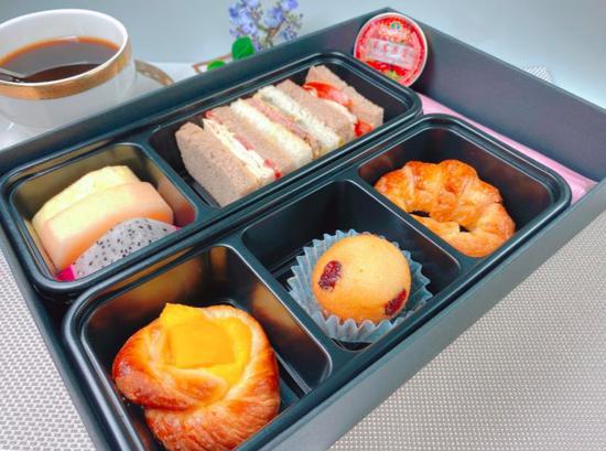 热气腾腾的飞机餐回来了!多家航司恢复热食供应