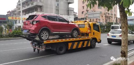 大货车司机成功被警方控制!