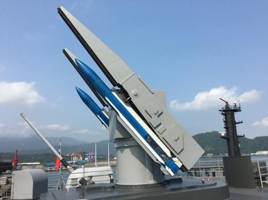 """""""基隆""""号的标准导弹发射装置"""