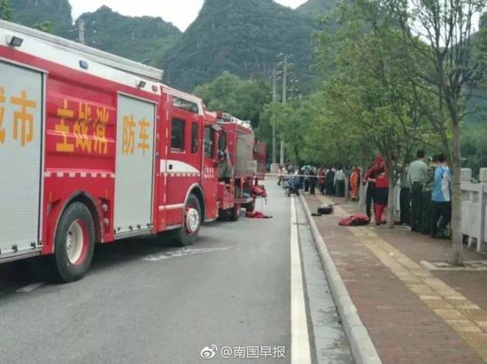 广西桂林龙舟翻船约60人落水 救起7人其中5人遇难家电清洗加盟哪家好