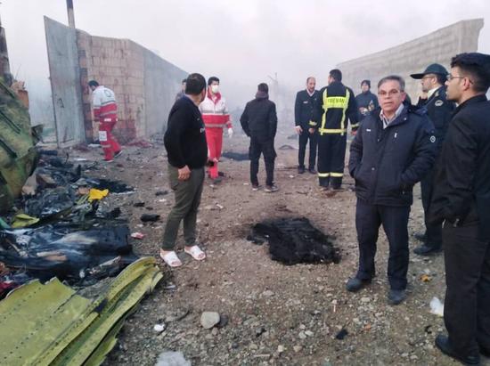 搜救现场(伊朗伊斯兰共和国通讯社)