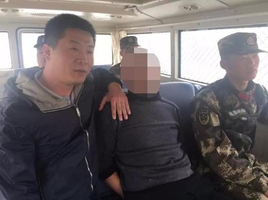 """杀人嫌犯潜逃30年被擒 微信昵称取名""""举步维艰"""