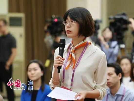 中新社记者