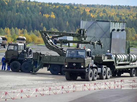 S-400防空导弹系统近日采用了新型的运输车,俄军编号为5T58,提高了部署能力