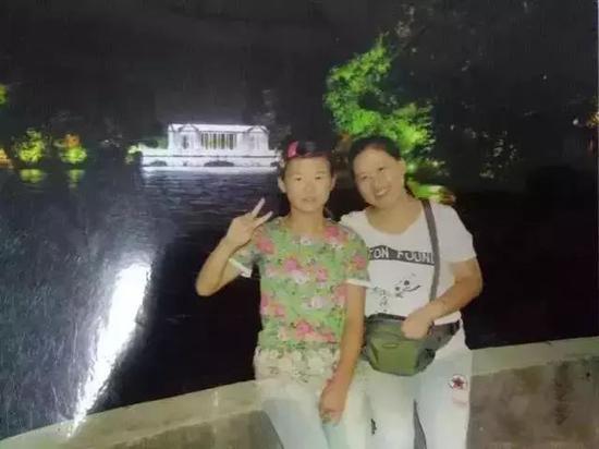 孟诗妍与妈妈