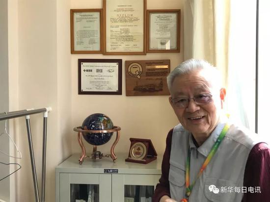 北京邮电大学教授章继高是高品质医养社区泰康之家燕园的首批居民。邰思聪 摄