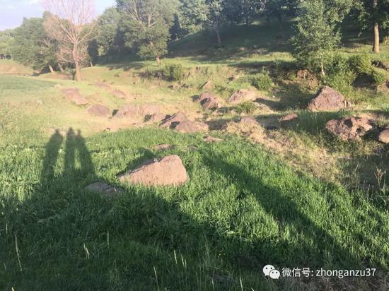 ▲村民提到的疑似王力辉被捕处。新京报记者高敏摄
