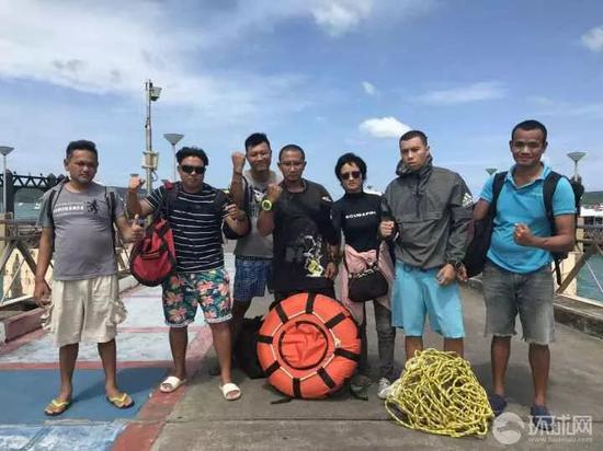 普吉蓝海救济队队员。