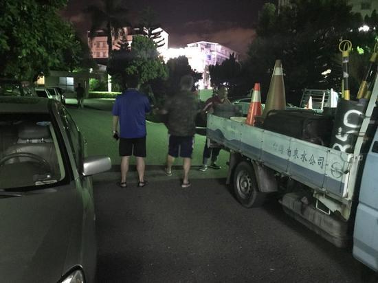 台南发生地震,自来水公司派人巡查(图源:联合新闻网)