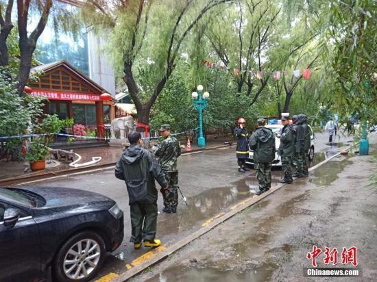 称哈尔滨市松北区太阳岛风景区平原街18号北龙温泉休闲酒店发生火灾.