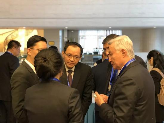 哈方重要嘉宾对无限极(中国)有限公司推广的中医药养生理念非常感兴趣。