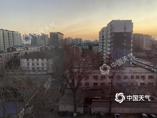 今晨,北京晴冷,冬意濃濃。