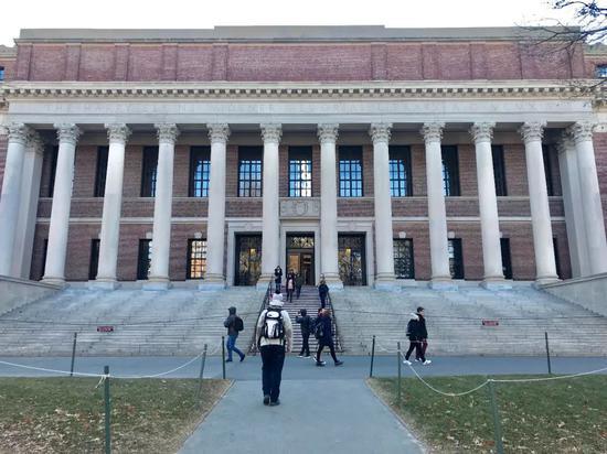 哈佛大学图书馆(图片来源:东方IC)