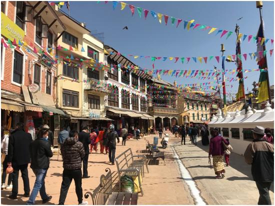 尼泊尔加德满都藏人聚居的白塔区 彭泽锋摄