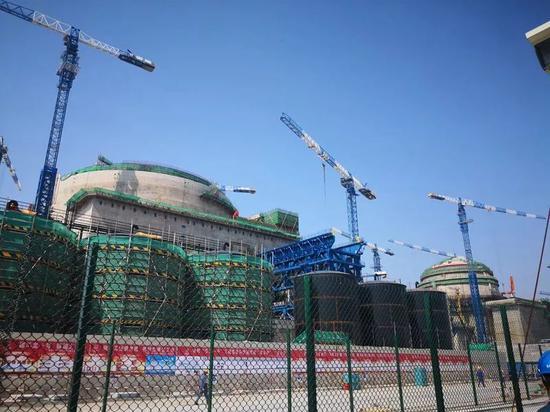 """正在福清市建设的中国""""华龙一号""""全球首堆示范工程。摄影/李晓翔"""