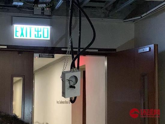 立法会内部的监控器也被破坏