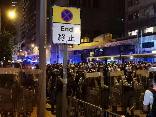 香港女生:香港已回歸 這么喜歡外國就別留在香港