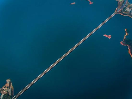 千岛湖年夜桥,拍照师@袁怯/星球研讨所