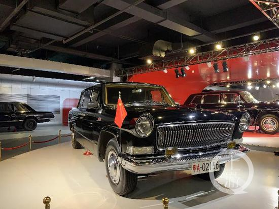 ▲1999年,新中国成立50周年的红旗检阅车。摄影/上游新闻记者 张莹