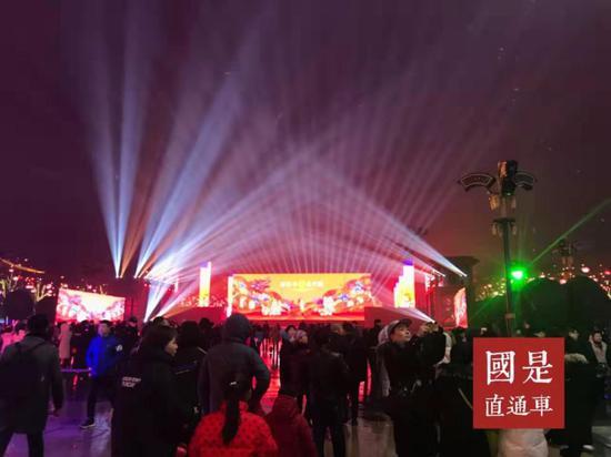 """2018年春節期間,西安推出""""西安年•最中國""""系列活動,20余天接待中外遊客超千萬人次。李麗芳 攝"""