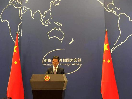 10月11日,外交部发言人耿爽主持例行记者会。