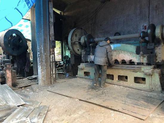 龙水镇废铁市场徐仁华家,尹光德岳父陈明东被捆绑致死。新京报记者向凯 摄