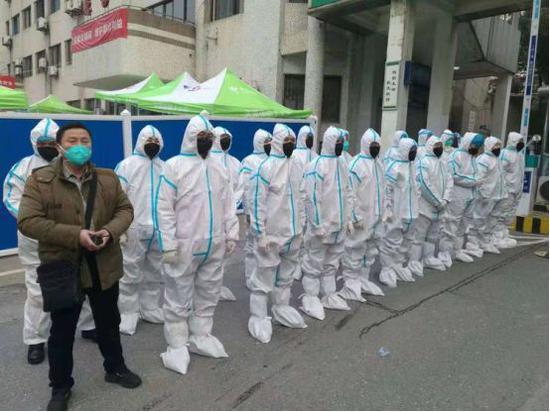 驻点武汉第七医院的徐爱林保安团队 湖北保安协会供图