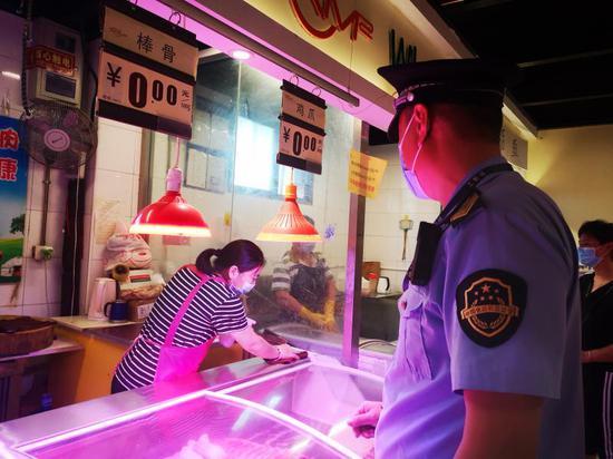 北京石景山鲁谷街道对辖区内194家超市楼宇等开展联合检查图片