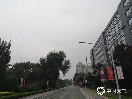 周末两天北京仍将有雷雨 局地短时雨强较大伴有风雹图片