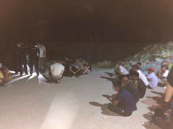 朝阳分局对位于金盏乡黎各庄村一处垃圾黑中转站进行查处