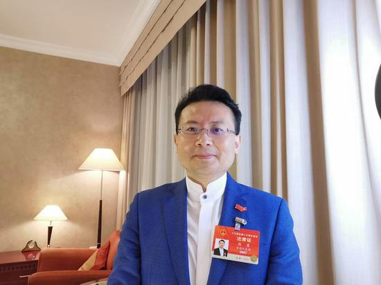 港区人大代表陈勇:希望进一步明确经济纠纷和刑事犯罪的界限图片
