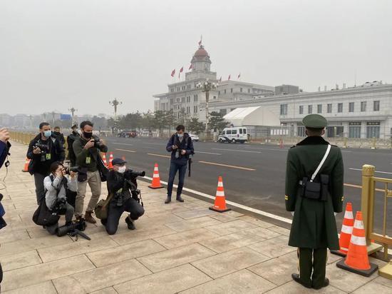 钧正平:沉迷于抹黑中国的他们 已经沦为世人皆知的笑柄图片