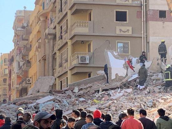埃及首都一房屋倒塌 已致5死24伤