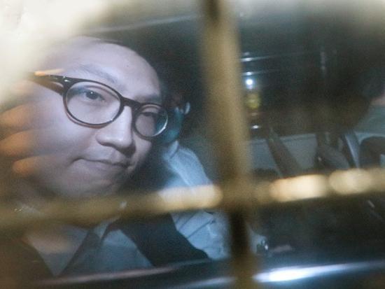 梁天琦被押上囚车,仍有案件在身再审(图:港媒)