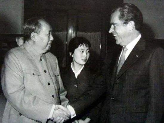 1972年2月,美国总统尼克松访华,中美双方在上海签署了《中美联合公报》(图源:新华社)