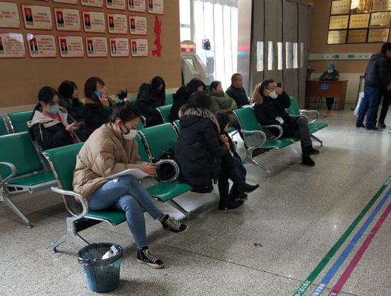 北京学生身在武汉回不来 市教委要求学校保持每日联系