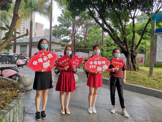 刚刚,深圳2021中考作文题出炉!直击全市唯一封控区内考点:这些不同
