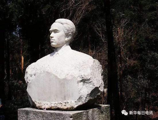 王尔琢烈士塑像(来源:网络)