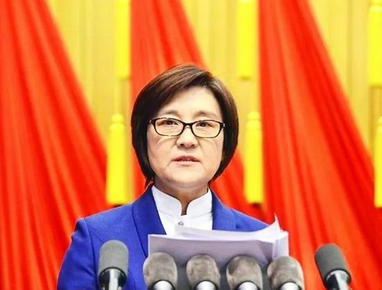 布小林辞去内蒙古自治区主席职务 王莉霞任代主席
