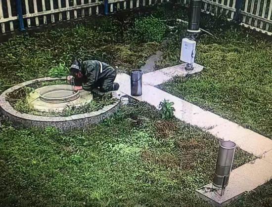 81岁老太临安暴雨中心跪下 代替去世丈夫水文测报|丈夫