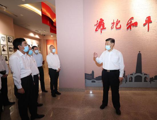 ↑2020年7月22日,习近平在吉林四平市观光四平战争怀念馆。
