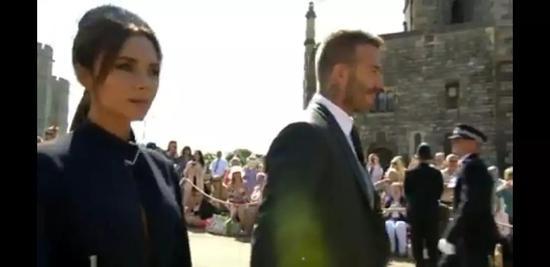 ▲贝克汉姆夫妇(图片来源:BBC直播截图)