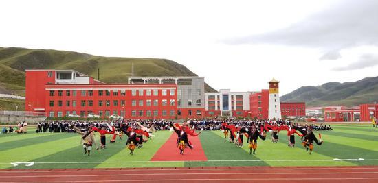 北京市支持确立的现代化的玉树州第四民族高级中学