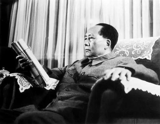 毛泽东阅读古籍