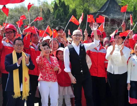 邓亚萍参加快闪活动。图源:郑报融媒