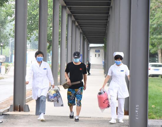 蓝冠官网:走出医院他提蓝冠官网醒市民戴图片