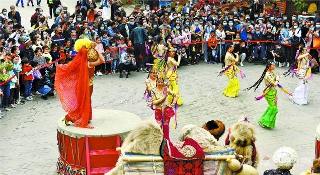 双节新疆旅游火热图片