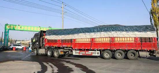 喀什:各大商超货源充足、货品丰富,物资供应有保障图片