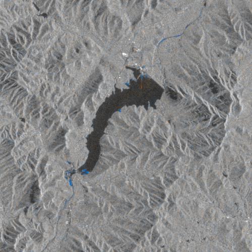 8月8日台风前和8月20日台风后的变化检测,嵩山水库,雷达图像